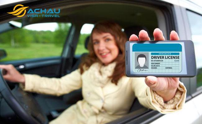 Thuê xe khi đi du lịch nước ngoài có cần bằng lái xe quốc tế không?