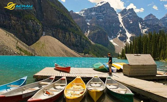 Hồ Louise - thiên đường màu xanh của Canada