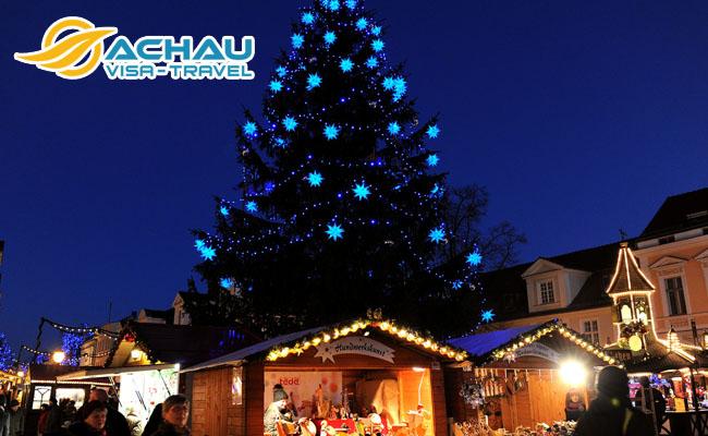Tiếng chuông giáo đường lạnh lẽo nơi đất khách mùa Giáng Sinh 2