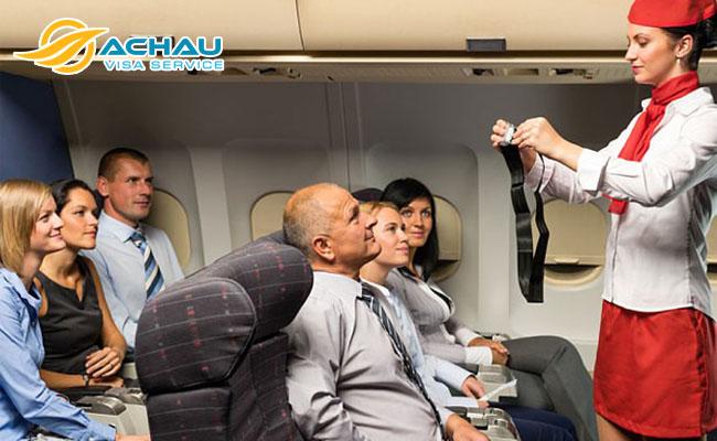 Lời khuyên của một phi công lão luyện giúp bạn an toàn hơn khi đi máy bay 2