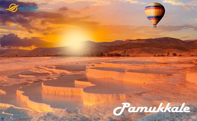 Chiêm ngưỡng 5 hồ nước nóng tuyệt đẹp trên thế giới 5