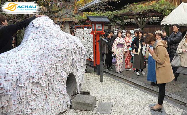 """Kỳ lạ ngôi đền xin """"cắt duyên"""" ở Kyoto - Nhật Bản 3"""