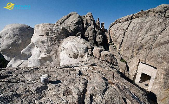 Những bí ẩn bên trong 4 địa điểm du lịch nổi tiếng thế giới 2