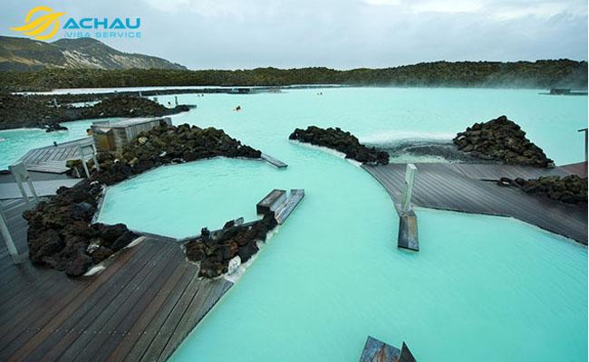 Chiêm ngưỡng 5 hồ nước nóng tuyệt đẹp trên thế giới 1