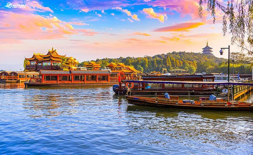 Có nên đi du lịch Trung Quốc một mình không?