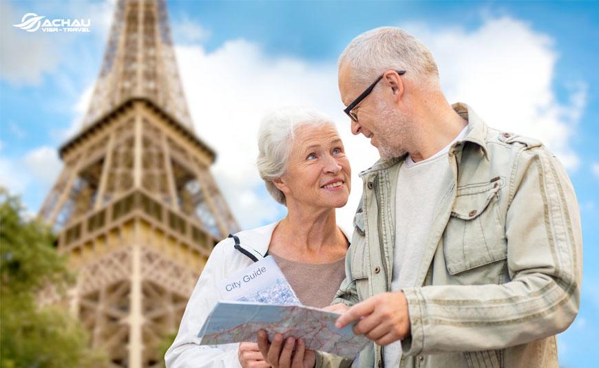 Kinh nghiệm du lịch nước ngoài cho người lớn tuổi (bố mẹ) 3