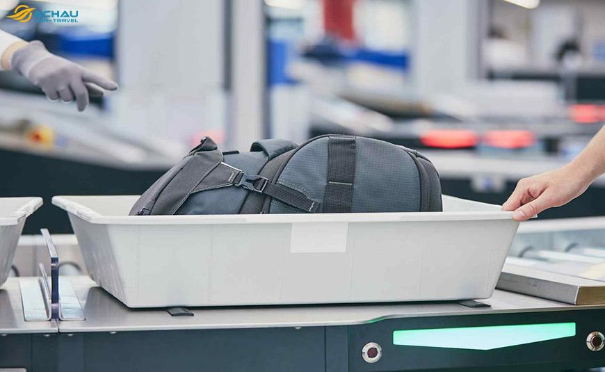 Kinh nghiệm giúp bạn qua cửa an ninh sân bay 5