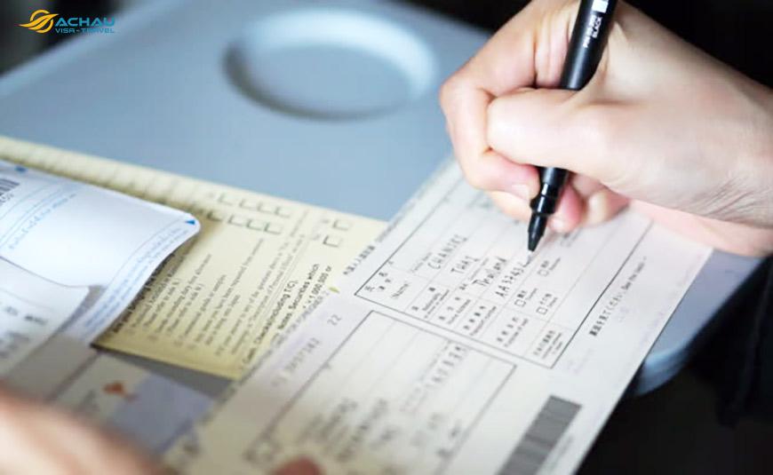 6 Lưu ý khi điền tờ khai nhập cảnh khi đi du lịch nước ngoài 2