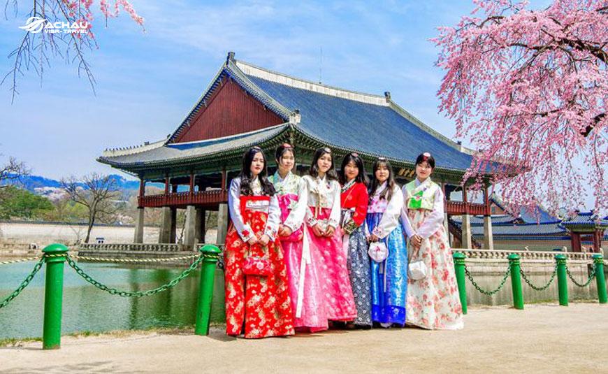 Mặc Hanbok, chụp hình ở đâu cho chất khi du lịch Hàn Quốc?