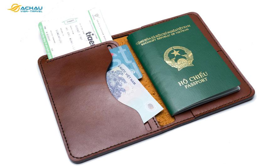 Những nguyên nhân khiến bạn bị từ chối xuất cảnh vì… hộ chiếu