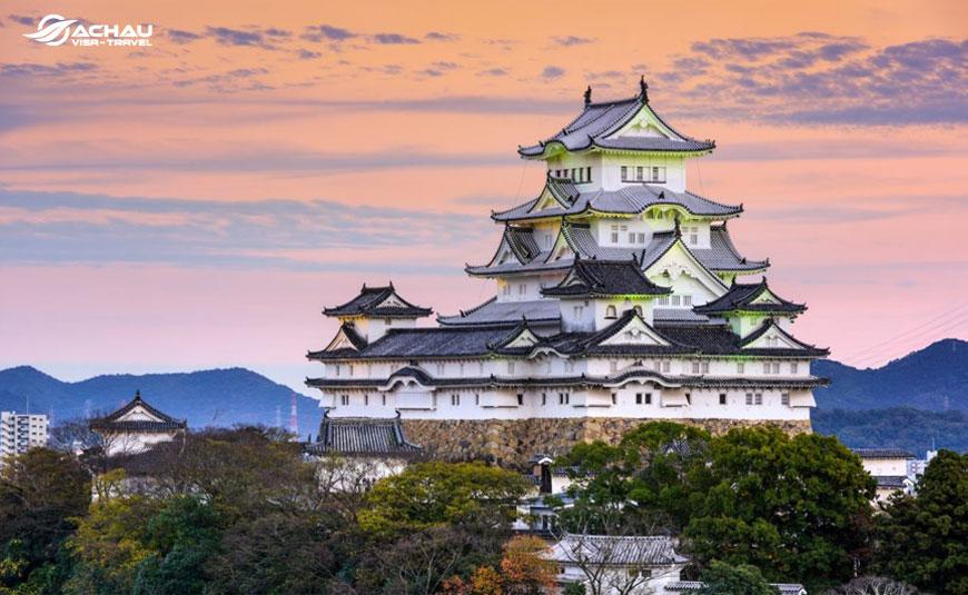 Điểm danh 10 tòa lâu đài cổ nổi tiếng của Nhật Bản