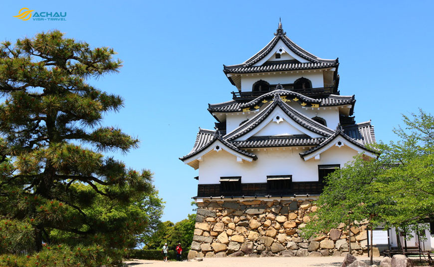 Điểm danh 10 tòa lâu đài cổ nổi tiếng của Nhật Bản 6