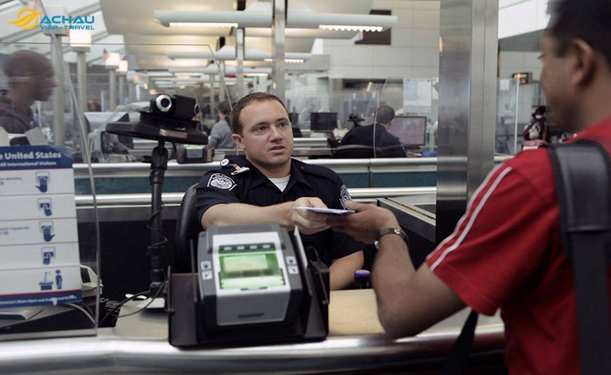 Vì sao có Visa nhưng vẫn bị từ chối nhập cảnh?
